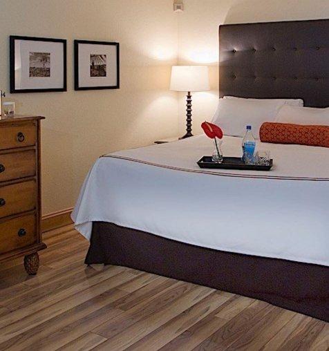 חדר באחד ממלונות הבוטיק בפלורידה נטול שטיח