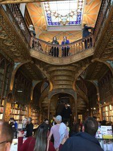 חנויות ספרים - Livraria Lello בפורטו